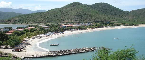 Playa Zaragoza, colorido paseo colonial frente al mar