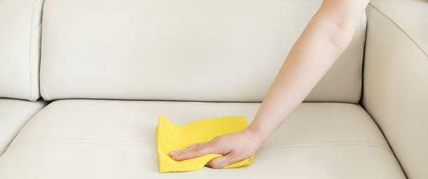 ¿Cómo limpiar muebles de tela?