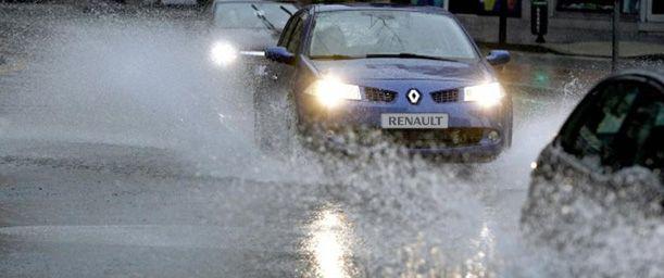 Cómo conducir cuando llueve