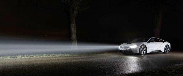 Cómo mantener las luces del vehículo